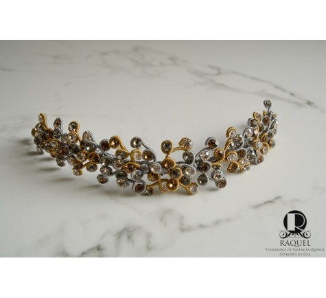 bd78717b1a98c Tiara de cristal de swarovski en oro y gris plata. Aplique cristal ...